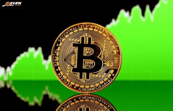 Bitcoin là một trong những phương tiện giao dịch ưa thích của tội phạm vì tính ẩn danh của nó